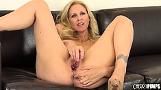 No one fucks pink pussy like way-up slut with big tits Julia Ann