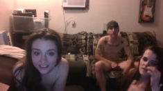 Amateur teens webcam threesome