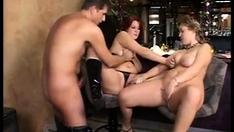 chubby lasdis in amateur threesome