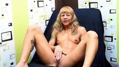 Hot milf masturbate